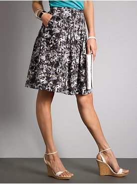 New York & Company: City Style Pleated Skirt - Pattern :  black york pleated black and white