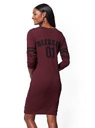Display product reviews for Soho Street - V-Neck Sweatshirt Dress