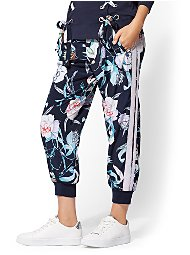Display product reviews for Floral Jogger Pant