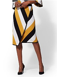 Display product reviews for Wrap Pull-On Pencil Skirt