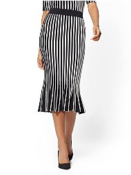 Display product reviews for 7th Avenue - Stripe Pleated Sweater Skirt