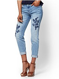 Display product reviews for Soho Jeans - Embroidered Curvy Boyfriend - Blue Funk Wash